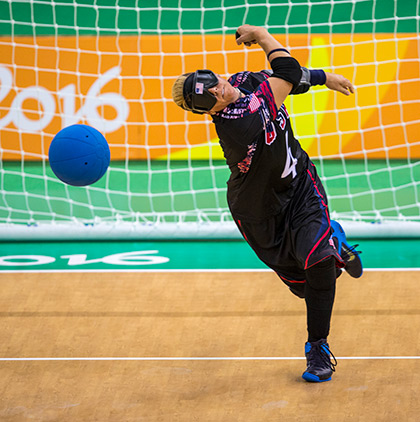 goalball_throw_paras_s.jpg